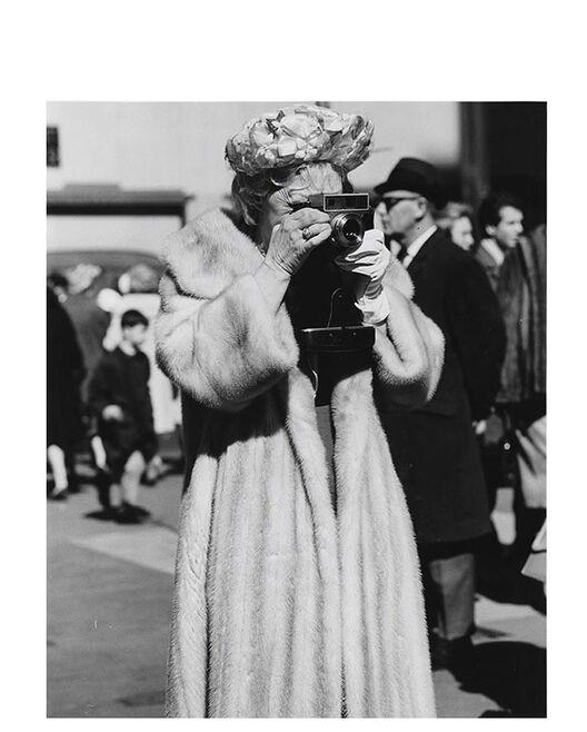 Woman in Fur Coat with Camera, Easter, St. Patrick's por Peter Hujar