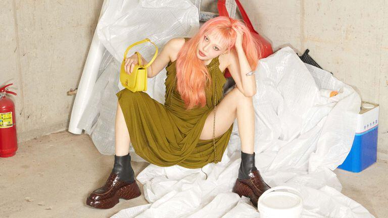 FW21 Goya bag Hyuna