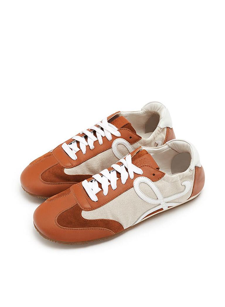 新品系带运动鞋