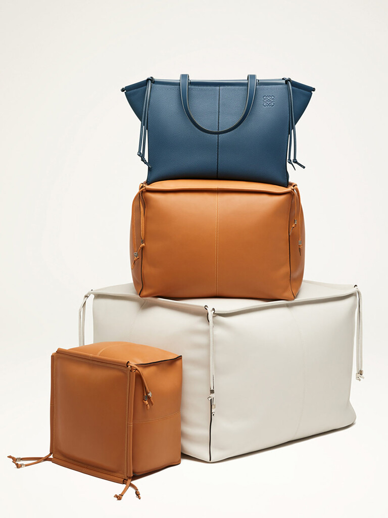 eae68fab2a6 LOEWE official website – luxury clothes and accessories