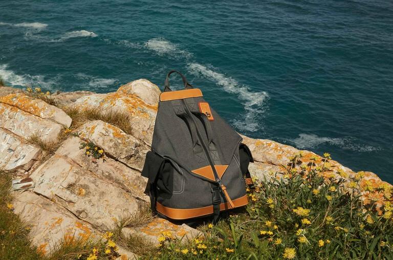Eye/LOEWE/Nature Bags