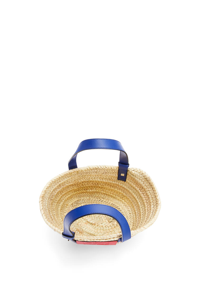 LOEWE Small London Basket bag in palm leaf and calfskin Natural/Primary Red pdp_rd