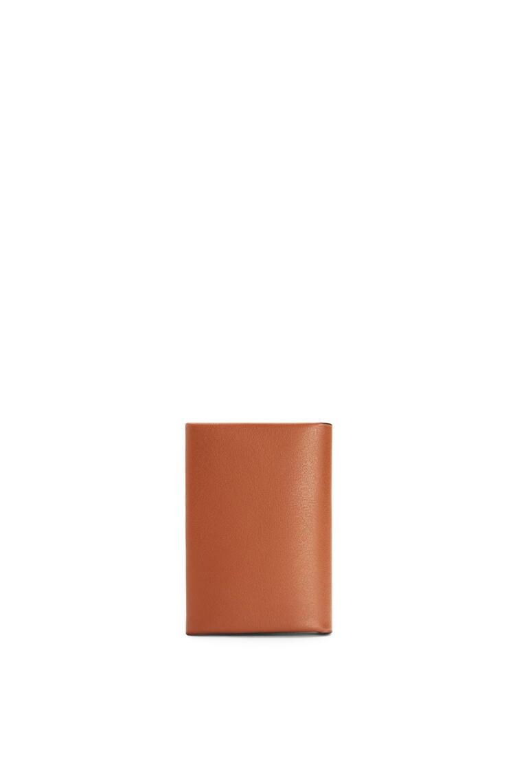 LOEWE Brand bifold card case in calfskin Tan/Ochre pdp_rd
