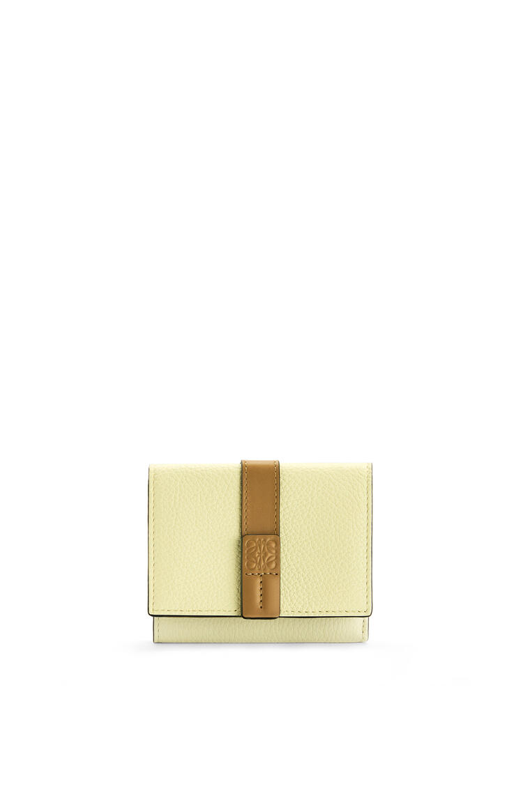 LOEWE Trifold wallet in soft grained calfskin Pale Lime/Ochre Green pdp_rd