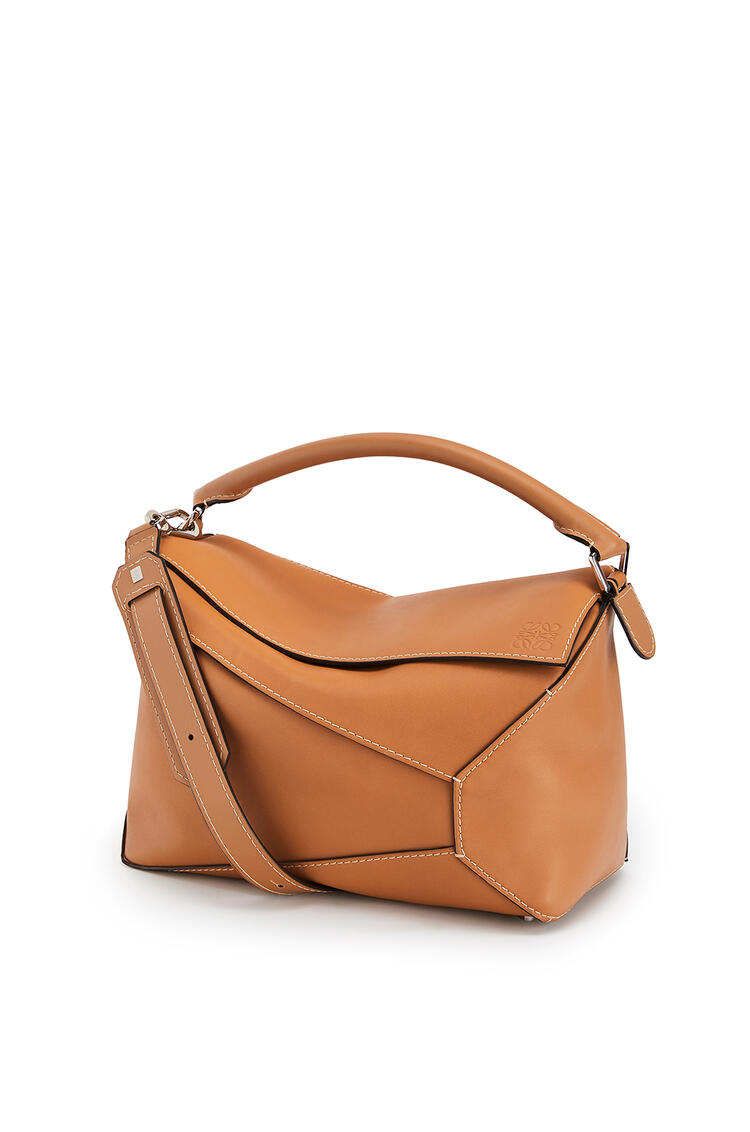 LOEWE Large Puzzle Edge Bag In Natural Calfskin Light Caramel pdp_rd