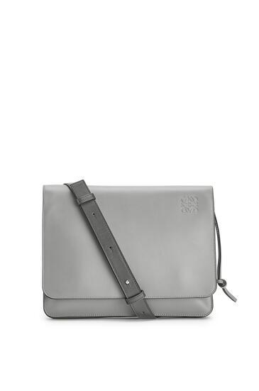LOEWE Gusset Flat Messenger Bag In Smooth Calfskin Gunmetal pdp_rd