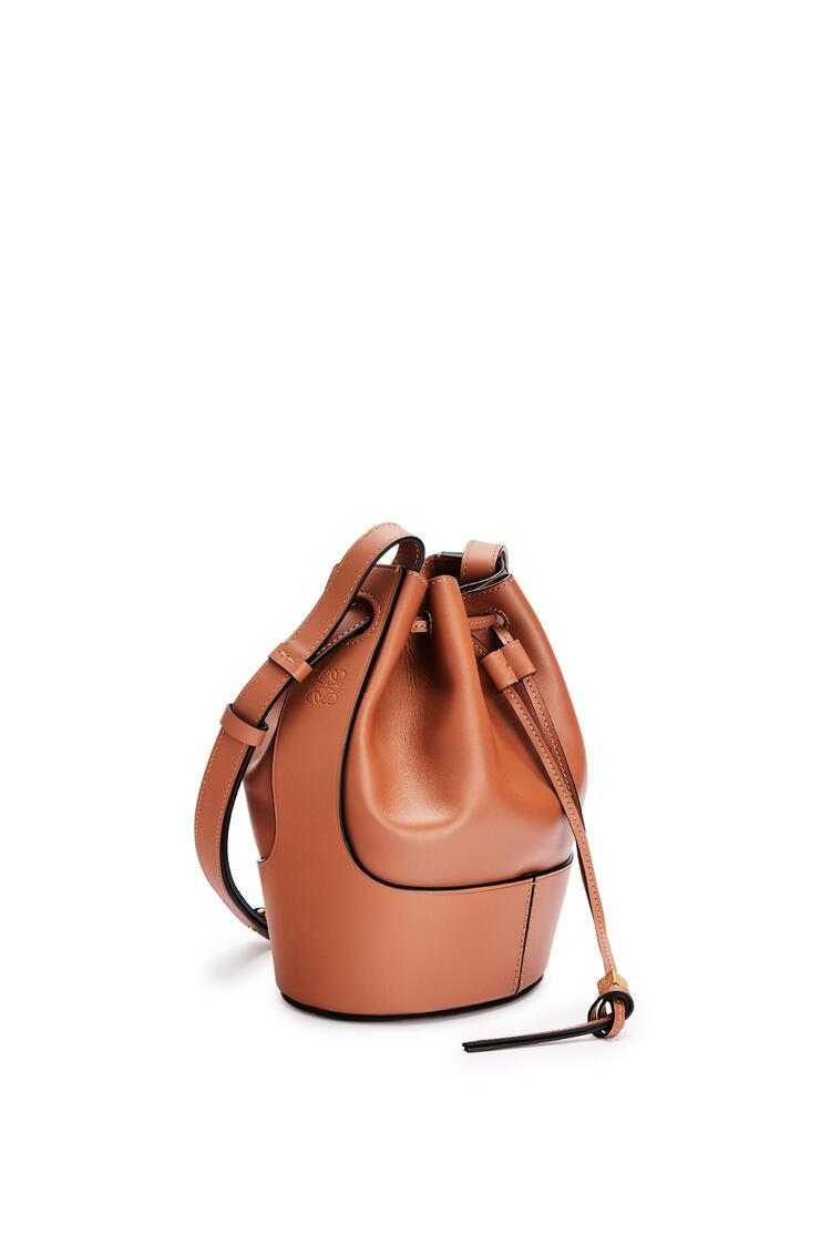LOEWE Small Balloon bag in nappa calfskin Tan pdp_rd