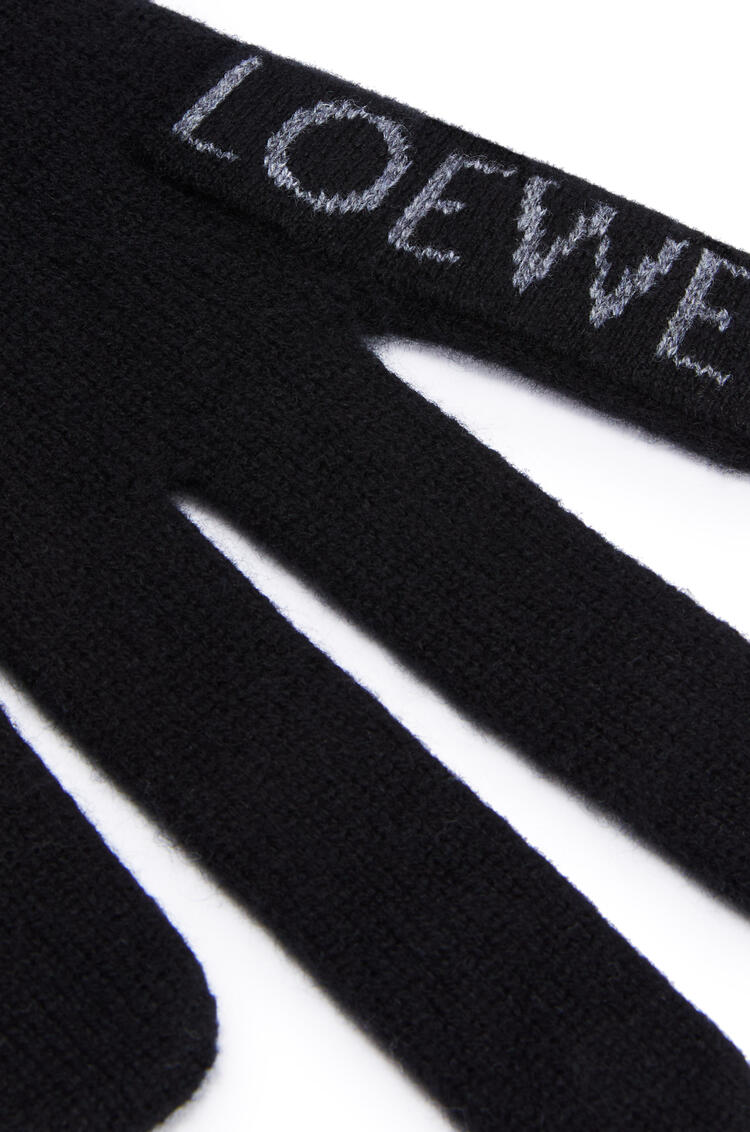 LOEWE Hand scarf in cashmere ブラック/グレー pdp_rd