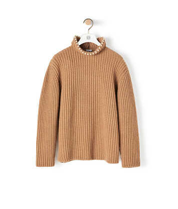 LOEWE High Neck Sweater Pearls 驼色 front