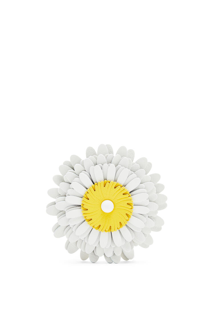 LOEWE Daisy stud charm in calfskin White pdp_rd