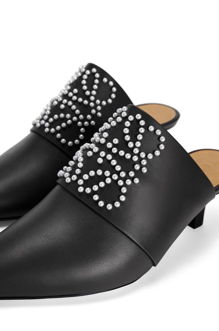 LOEWE Pointy heel mule in calfskin Black pdp_rd