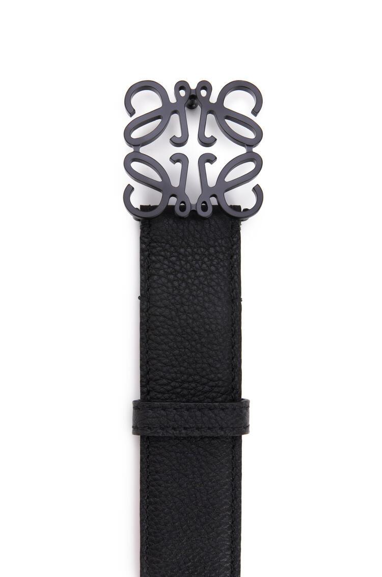 LOEWE Cinturón Anagrama en piel de ternera con grano suave Negro pdp_rd