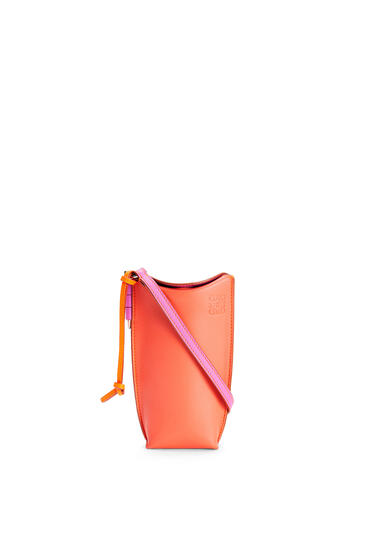 LOEWE Gate pocket in soft calfskin Grapefruit/Mauve pdp_rd