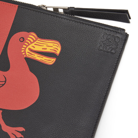 LOEWE Flat Pouch Herald ブラック/レッド front