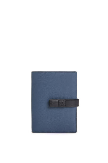 LOEWE Medium Vertical Wallet in soft grained calfskin Indigo Dye/Black pdp_rd