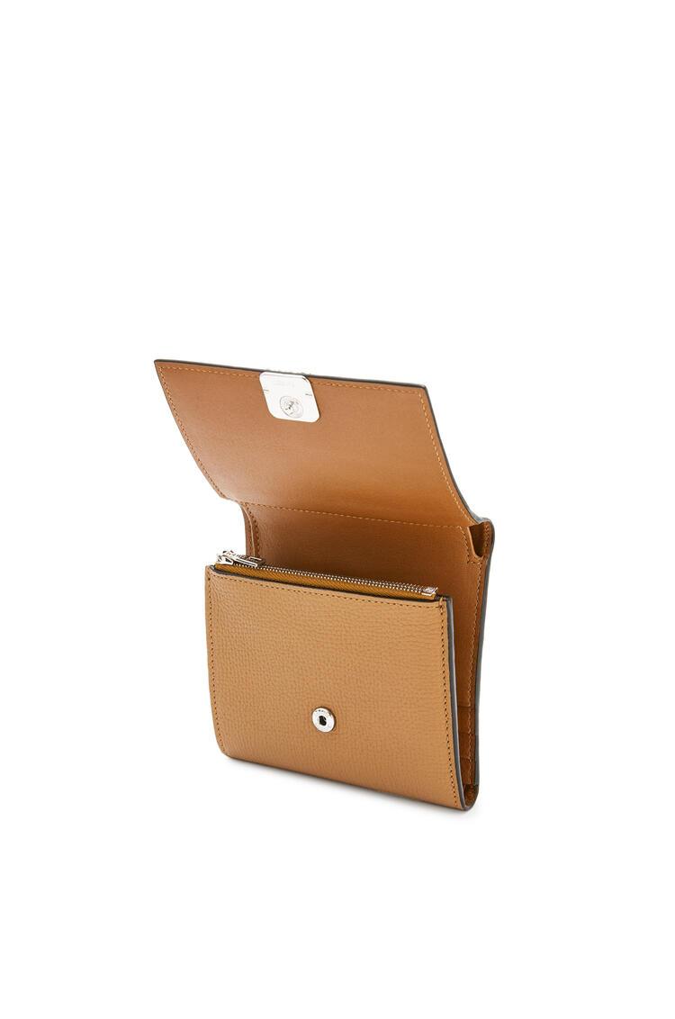 LOEWE Anagram square 8 cc wallet in pebble grain calfskin Oak pdp_rd