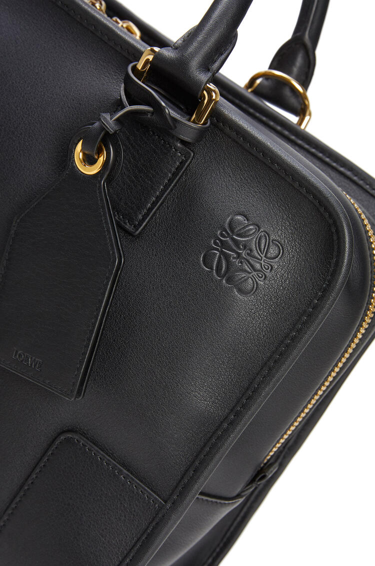 LOEWE Amazona bag in classic calfskin Black/Gold pdp_rd