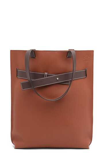 LOEWE Bolso Strap Tote Vertical Coñac/Marrón Chocolate front