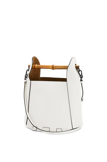 LOEWE Bamboo bucket bag in calfskin Soft White pdp_rd