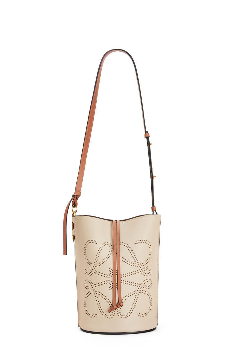 LOEWE Anagram Gate Bucket Bag In Natural Calfskin Light Oat/Tan pdp_rd