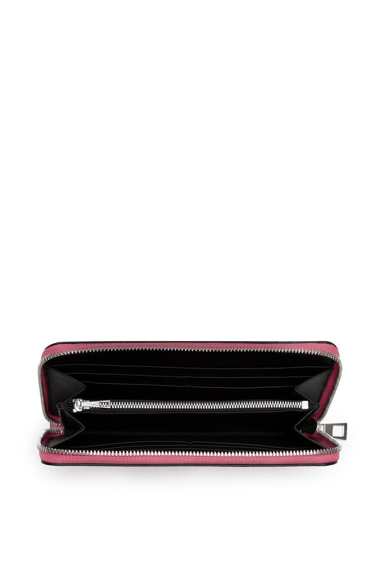 LOEWE Zip around wallet in calfskin Wild Rose/Raspberry pdp_rd