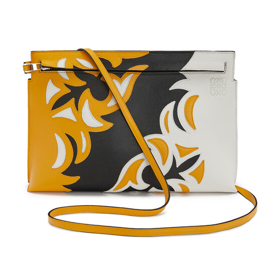 LOEWE Bolso T Pouch Cowboy Negro/Amarillo Mango front