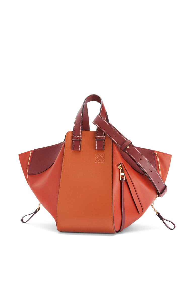 LOEWE Small Hammock bag in classic calfskin Spice Orange/Pumpkin pdp_rd