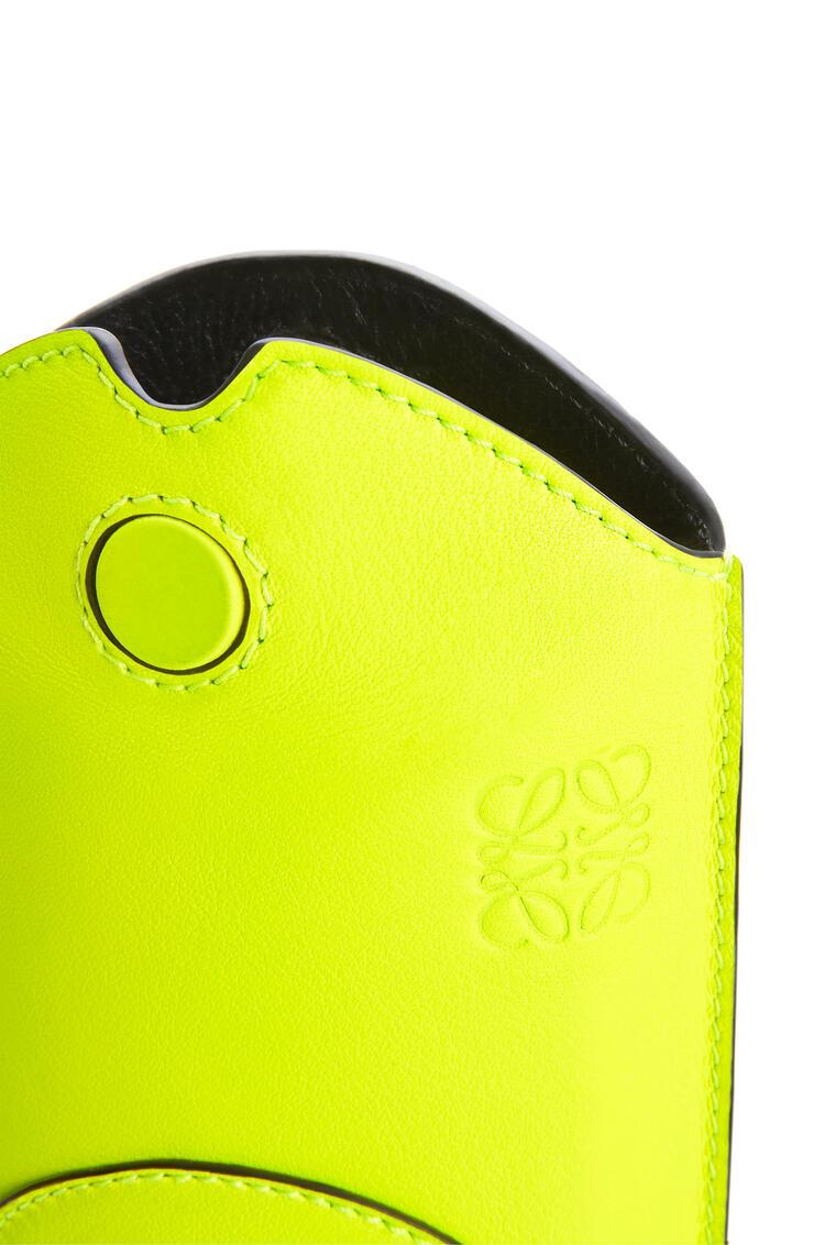 LOEWE Minibolso Gate Smiley de piel de ternera clásica Amarillo Neon pdp_rd