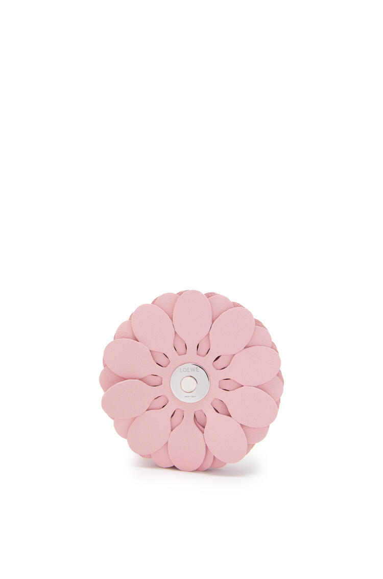 LOEWE Stud flower in classic calfskin Light Candy pdp_rd