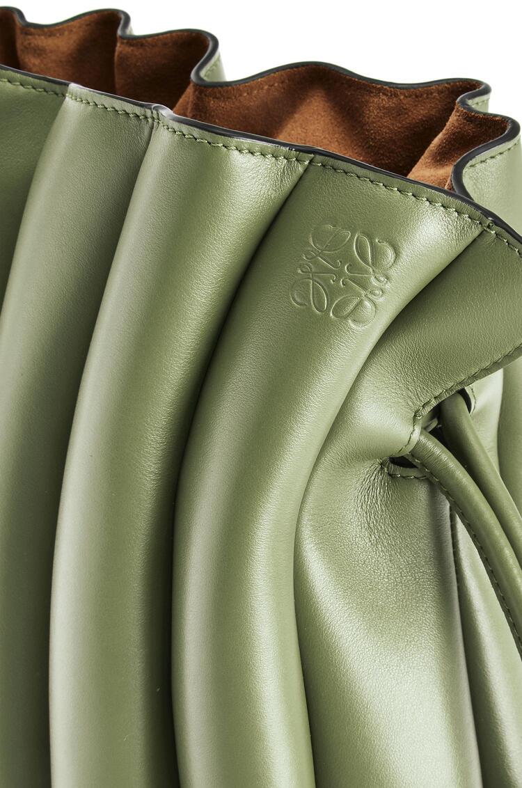 LOEWE Flamenco Ondas clutch bag in smooth calfskin Rosemary pdp_rd