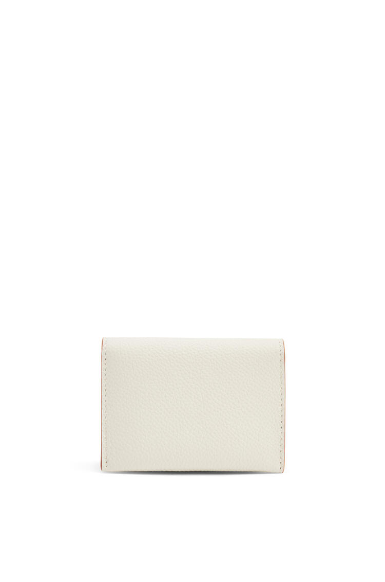 LOEWE Anagram accordion cardholder in pebble grain calfskin Light Ghost pdp_rd