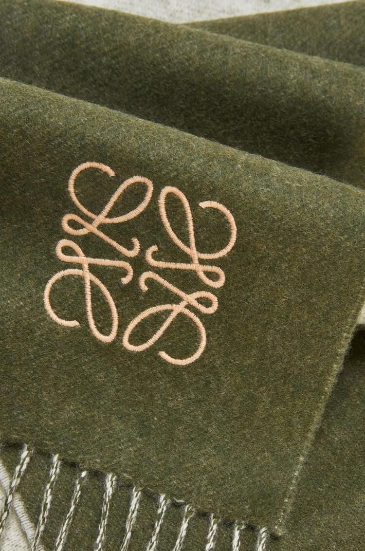 LOEWE Bufanda window de 30 x 180 cm en lana y cashmere de cuadros Beige/Verde Kaki pdp_rd