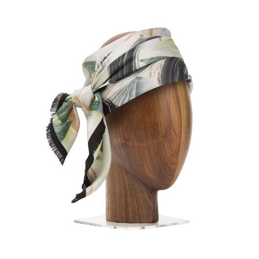 LOEWE 90X90 スカーフ フォレスト アナグラム ブラック/レッド/グリーン all