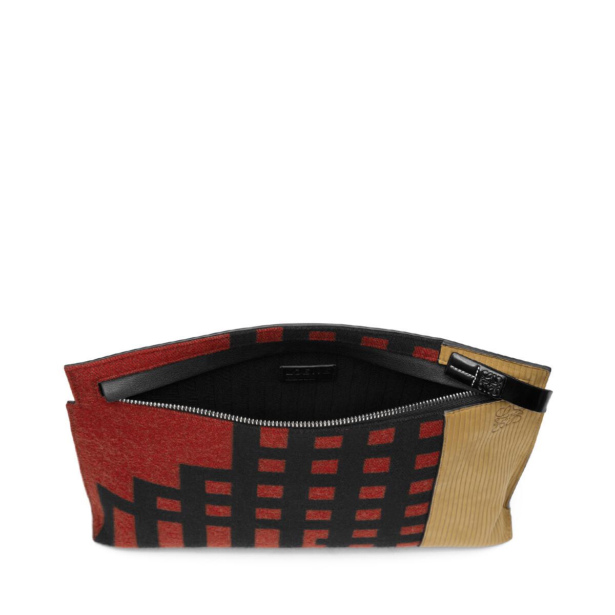LOEWE T Pouch Grid Rojo Escarlata/Negro front