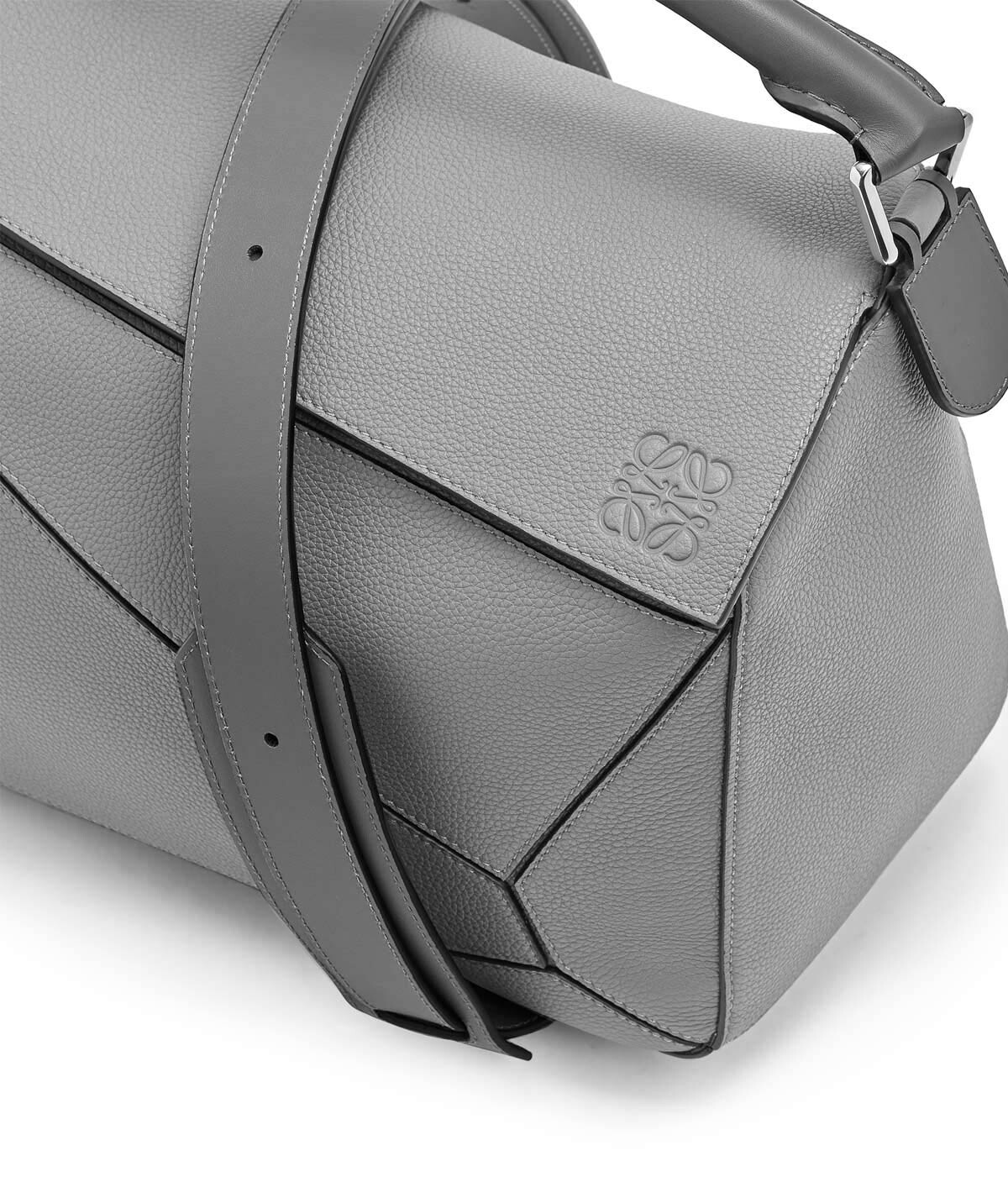 LOEWE Puzzle Large Bag ガンメタル front