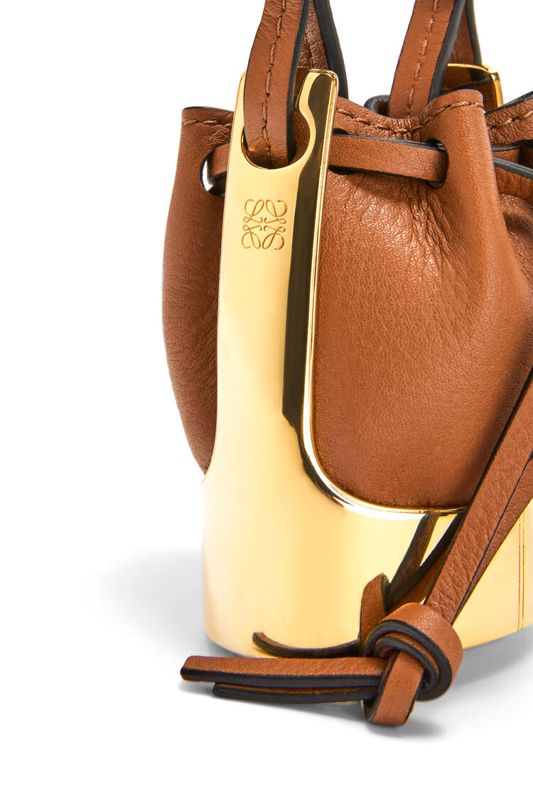 LOEWE Balloon bag necklace in calfskin and brass Tan/Gold pdp_rd