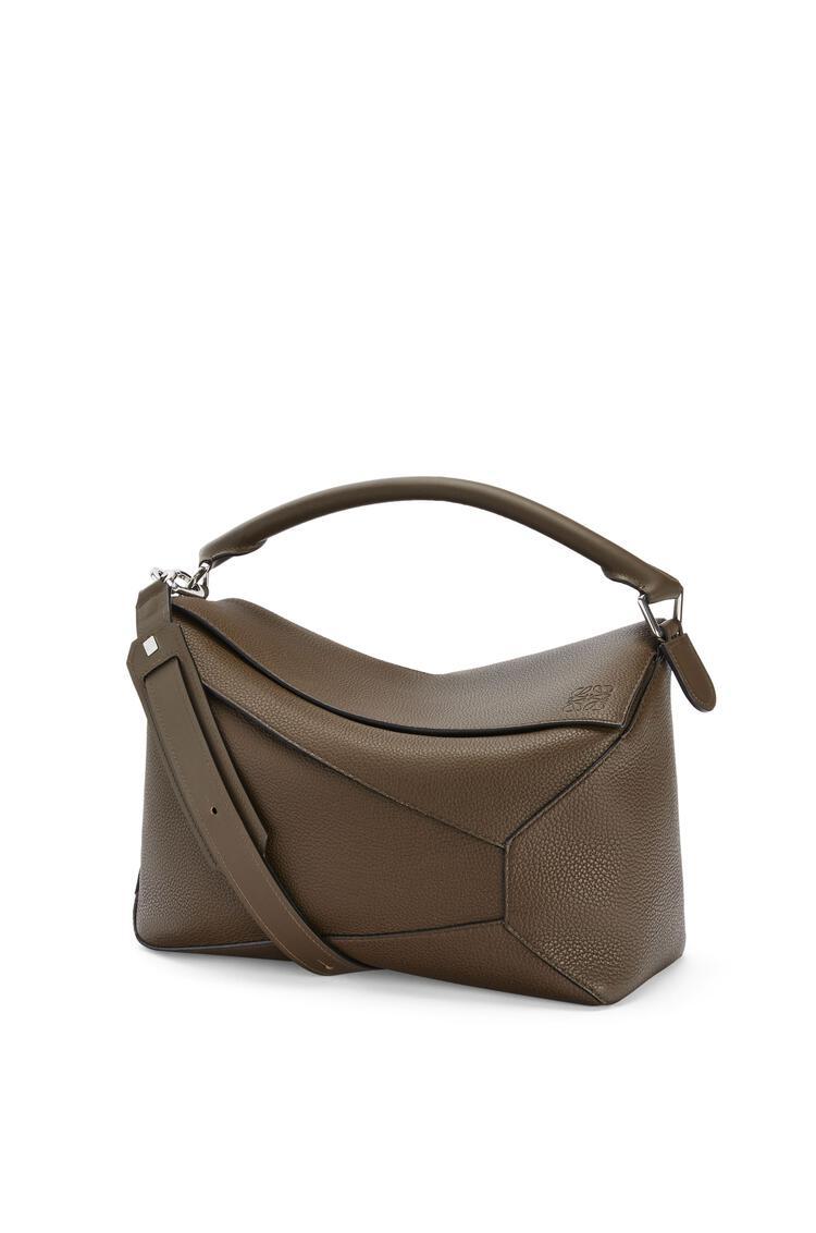 LOEWE Large Puzzle Edge bag in grained calfskin Khaki Brown pdp_rd