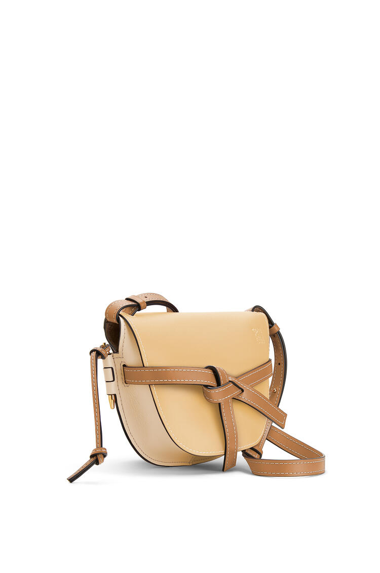 LOEWE Small Gate bag in soft calfskin Dune/Vanilla pdp_rd