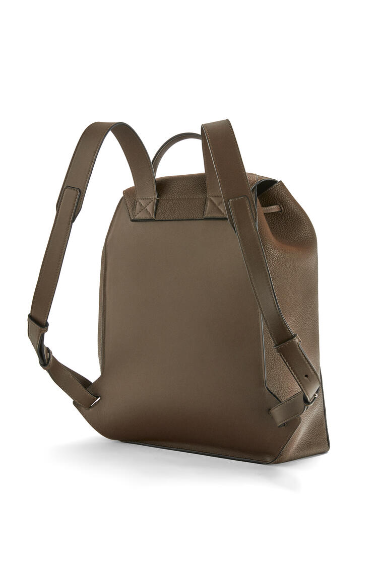 LOEWE Drawstring Backpack in grained calfskin Khaki Brown pdp_rd