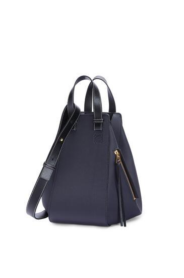 LOEWE Hammock bag in soft grained calfskin Midnight Blue/Black pdp_rd