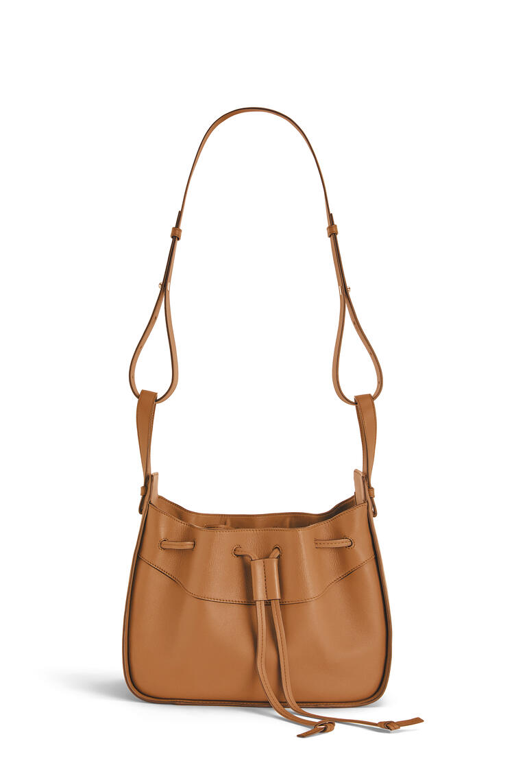 LOEWE Small Hammock Drawstring bag in nappa calfskin Light Caramel pdp_rd