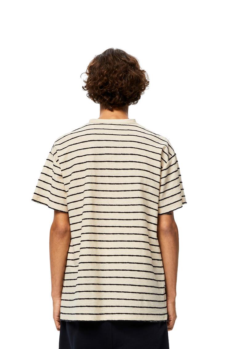 LOEWE Camiseta Anagrama en algodón de rayas Ecru/Marino pdp_rd