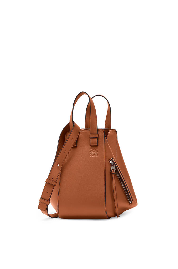 LOEWE Small Hammock Bag In Classic Calfskin Tan pdp_rd