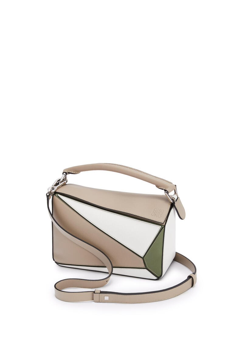LOEWE Small Puzzle bag in classic calfskin Sand/Avocado Green pdp_rd