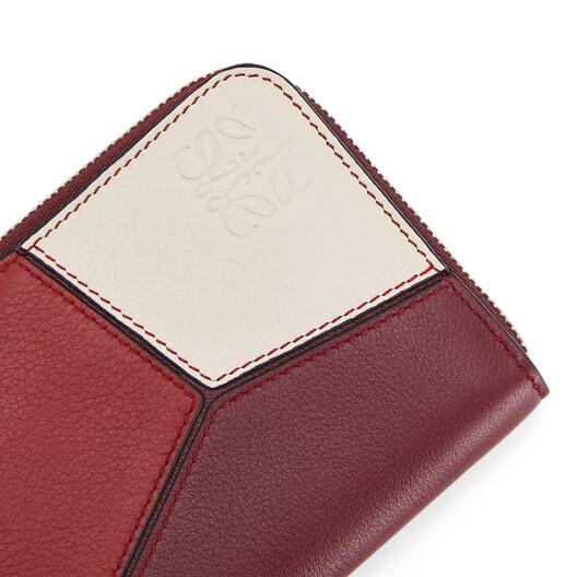 LOEWE Puzzle 6 Card Zip Wallet Wine/Garnet front