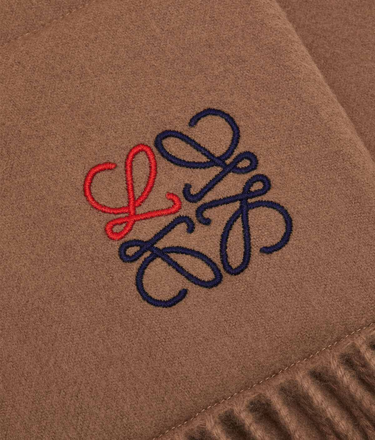 LOEWE 17X190 Padded Scarf Anagram 駝色 front