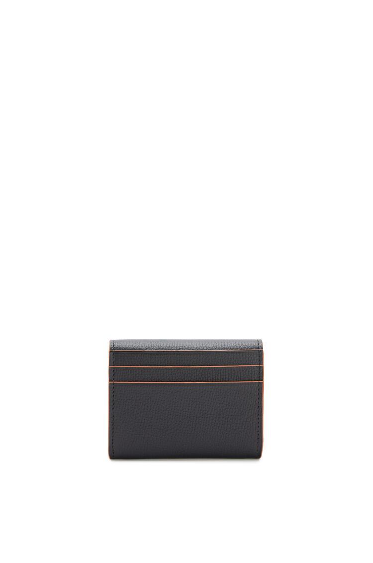 LOEWE Tarjetero-monedero cuadrado con Anagrama en piel de ternera con grano Negro pdp_rd