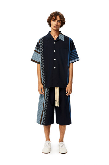 LOEWE Stripe Anagram Shorts 海軍藍/多色拼接 front