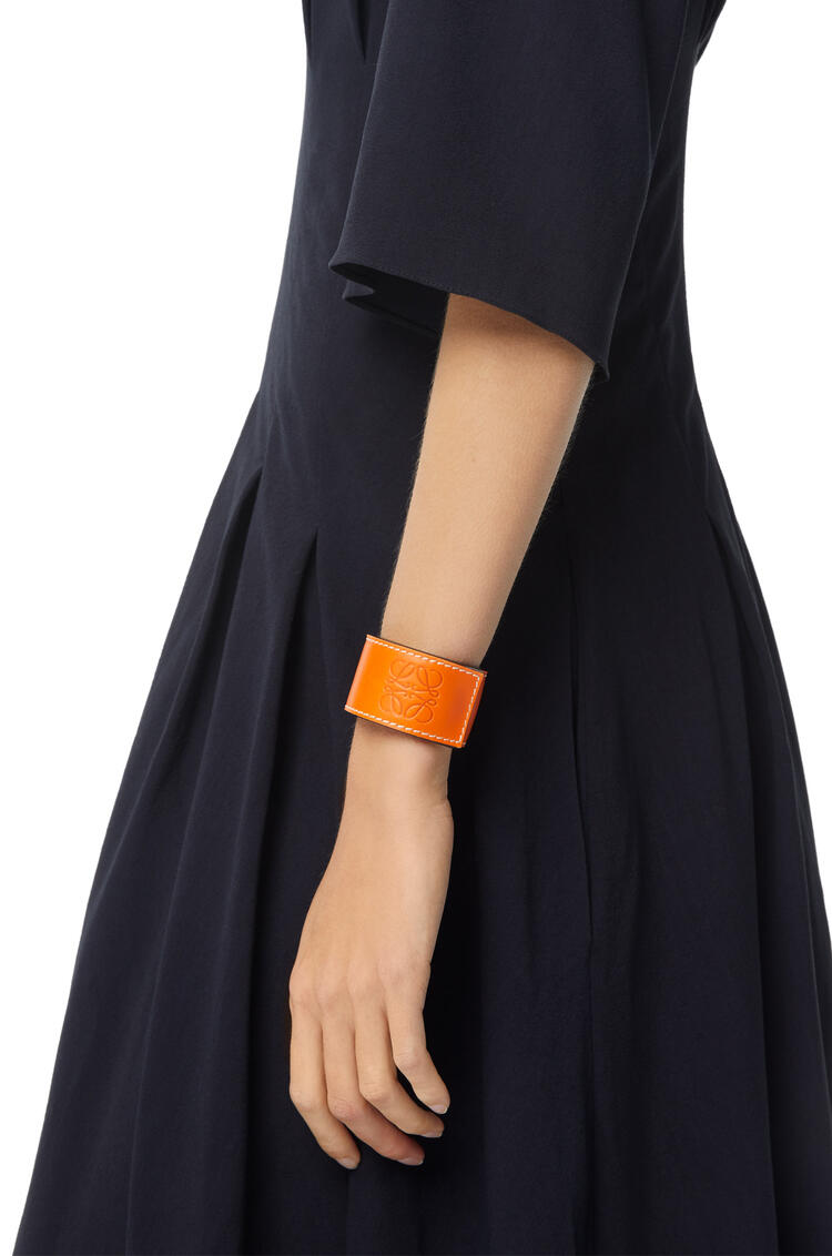 LOEWE Small slap bracelet in calfskin Orange pdp_rd