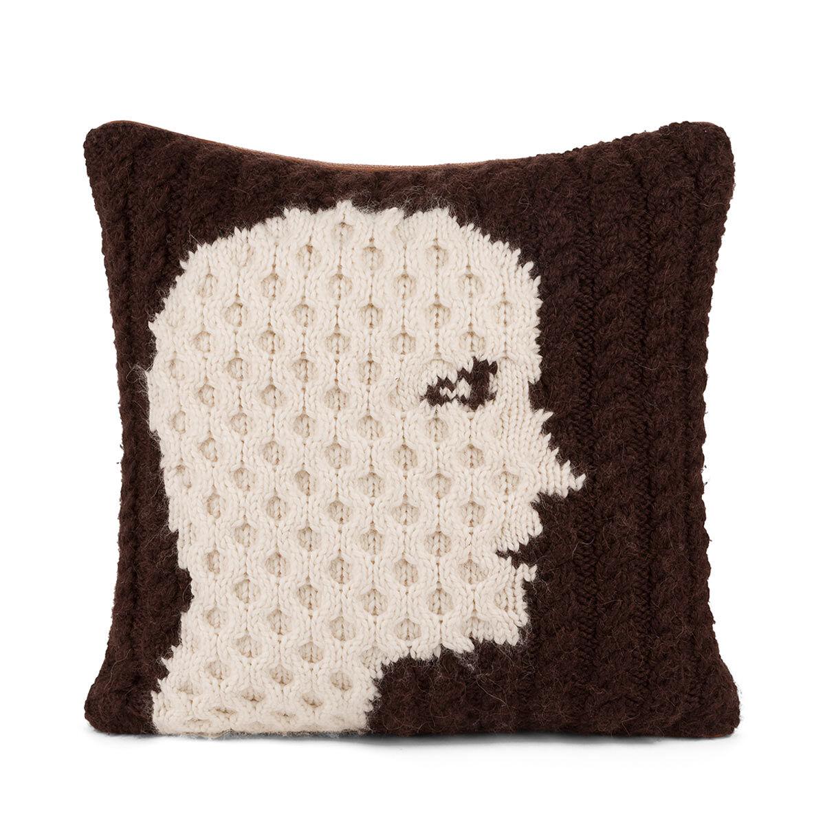 LOEWE Hand Knitted Cushion 1 40X40 ダークブラウン/ホワイト all